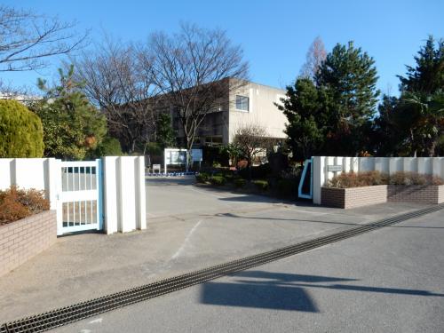 藤塚小学校 約450m/徒歩6分