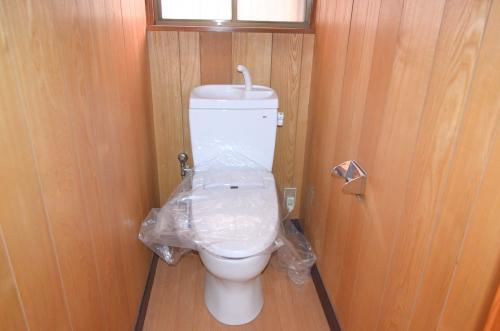 1階トイレもウォシュレットに交換済!
