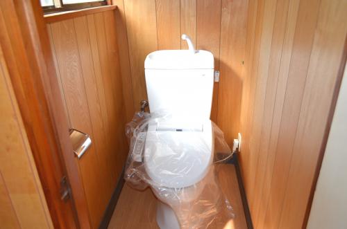 2階トイレもウォシュレット交換済!