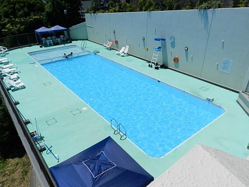 共用屋外プール