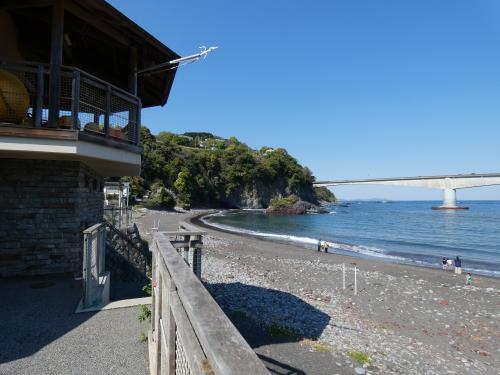 周辺環境:岩海水浴場