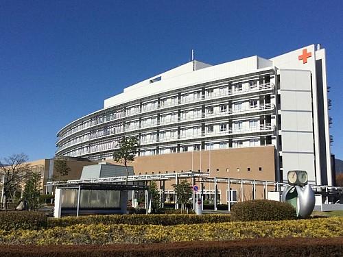 総合病院、秦野赤十字病院約1260m
