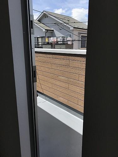 北側テラスはキッチンからの導線で、ゴミ等の一時保管に便利です