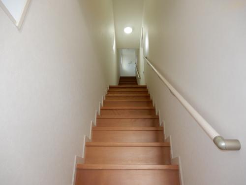 階段は天井高もあり解放感があります。