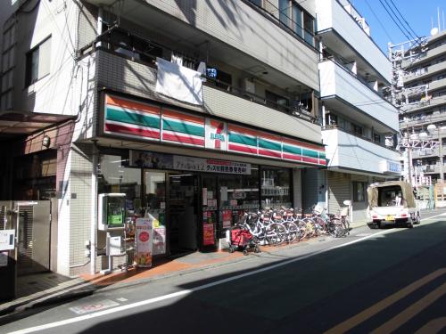 【セブンイレブン北池袋店】・・・徒歩約2分(約160m)