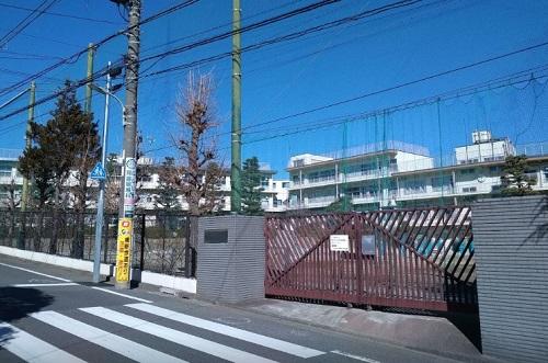 【周辺】東調布中学校